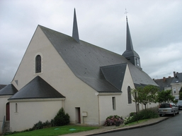 Eglise_de_Combree_2.jpg
